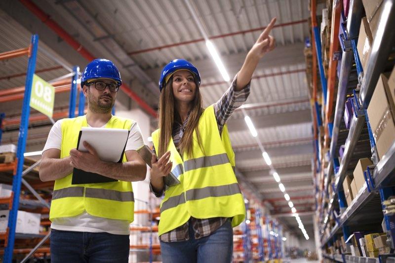 formación de los trabajadores del almacén
