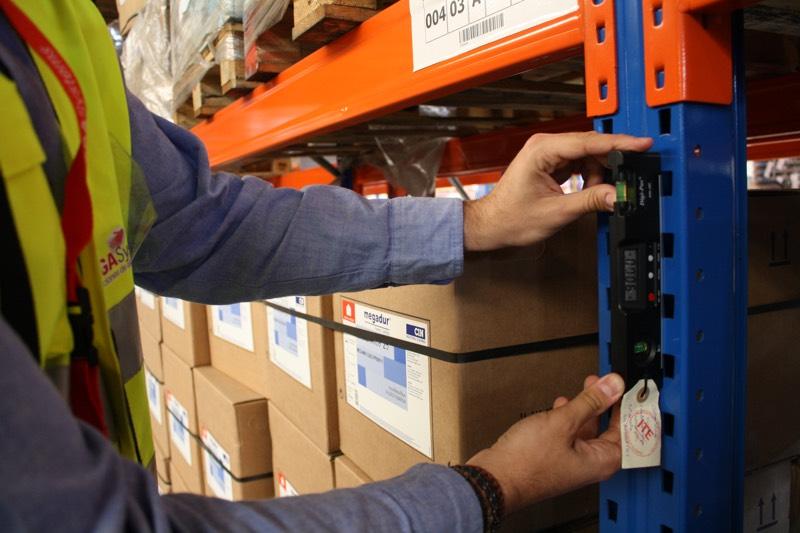 El mantenimiento preventivo de equipos de trabajo y máquinas en el almacén